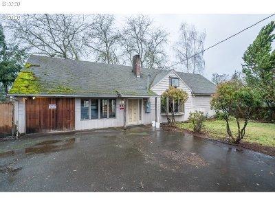 Oregon City Multi Family Home For Sale: 910 Linn Ave
