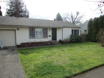 Portland Single Family Home For Sale: 8032 SE Rhone St