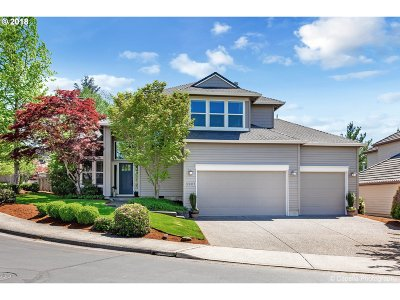 Portland Single Family Home For Sale: 3901 NW Brookview Way