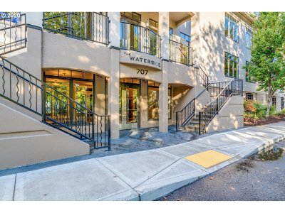 Portland Condo/Townhouse For Sale: 707 N Hayden Island Dr #416