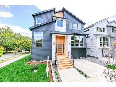 Portland Single Family Home For Sale: 4384 SE Nehalem St