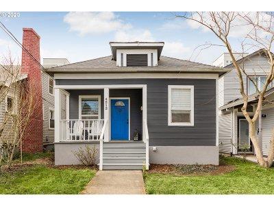 Portland Single Family Home For Sale: 4213 NE Cleveland Ave