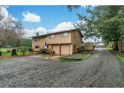 Oregon City Single Family Home Bumpable Buyer: 18670 S Pear Rd