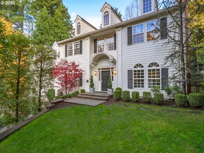 Portland Single Family Home For Sale: 11010 SW Tryon Ave