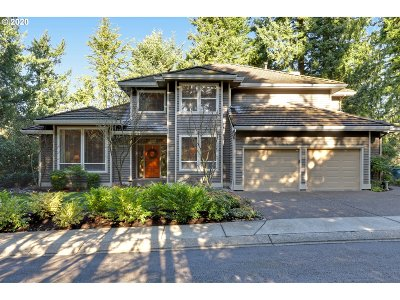 Portland Single Family Home For Sale: 10381 NW Royal Rose Ct