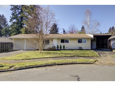 Portland Single Family Home For Sale: 121 NE 164th Ave