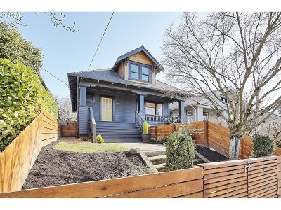 Portland Single Family Home For Sale: 1302 SE 49th Ave