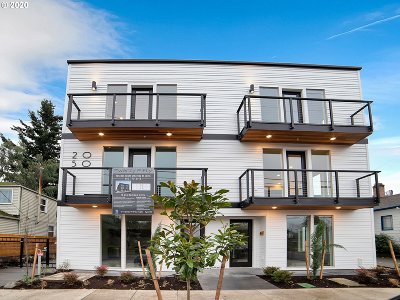Portland Condo/Townhouse For Sale: 2050 N Killingsworth St #6