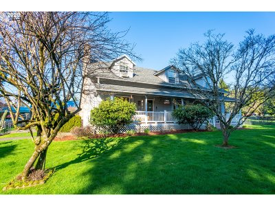 Portland Single Family Home For Sale: 5500 SE 139th Ave