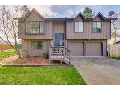 Gresham Single Family Home For Sale: 1196 NE Hale Pl