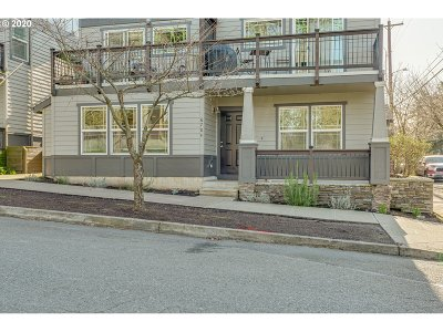 Portland Condo/Townhouse For Sale: 6704 N Pittsburg Ave