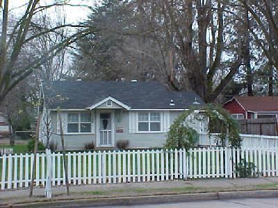 Single Family Home Sold: 128 Willamette Avenue