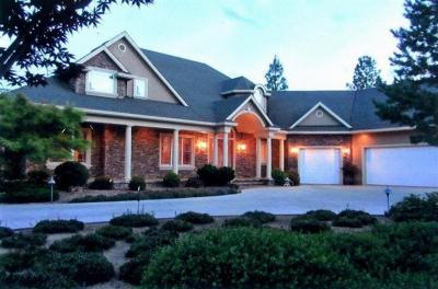 Grants Pass Single Family Home For Sale: 3600 SW Campus View Drive