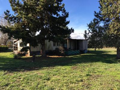 Medford Single Family Home For Sale: 475 Charlotte Ann Road