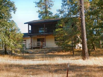 Eagle Point Single Family Home For Sale: 5855 Rogue River Drive