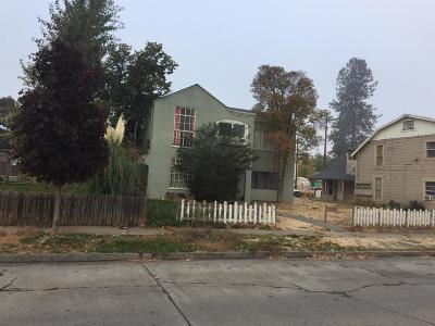 Medford Multi Family Home For Sale: 215 N Ivy Street