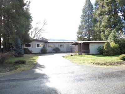 Medford Single Family Home For Sale: 3645 Madrona Lane