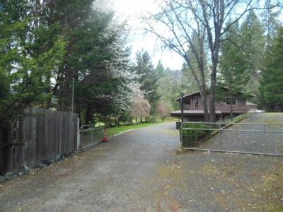Jackson County, Josephine County Single Family Home For Sale: 1200 Caves Highway