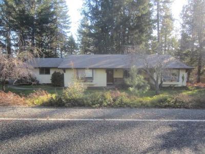 Merlin Single Family Home For Sale: 285 October Lane