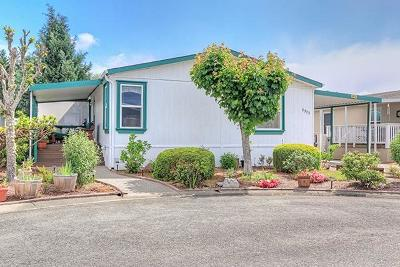 Grants Pass Mobile Home For Sale: 2373 Bradley Court