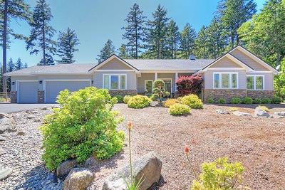 Josephine County Single Family Home For Sale: 2270 Riverbanks Road