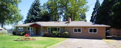 Central Point Single Family Home For Sale: 2975 Lapine Avenue