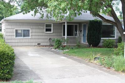 Medford Single Family Home For Sale: 1024 Mt Pitt Avenue
