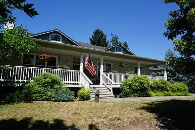 shady cove Single Family Home For Sale: 109 Orchard Lane