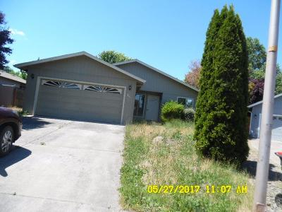 Single Family Home For Sale: 3049 Clearview Avenue