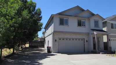 Central Point Single Family Home For Sale: 608 Shadow Way