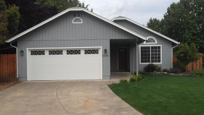 Jackson County, Josephine County Single Family Home For Sale: 3055 Clearview Avenue