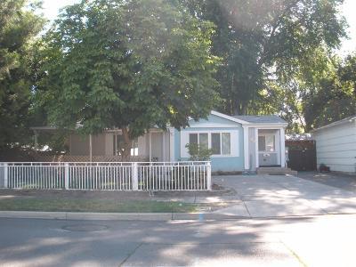 Single Family Home For Sale: 855 Plum Street