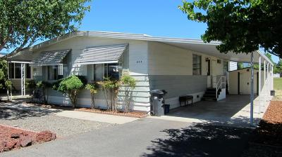 Grants Pass Mobile Home For Sale: 977 Rogue Lea