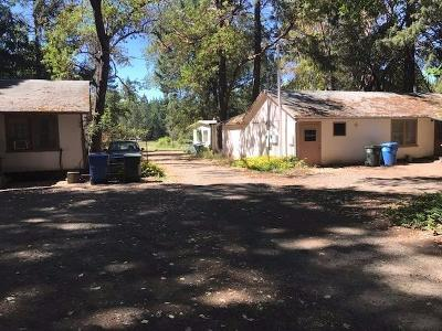 Jackson County, Josephine County Single Family Home For Sale: 701 Cave Highway