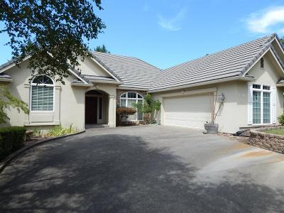 Single Family Home For Sale: 2941 Hollyburn Ridge