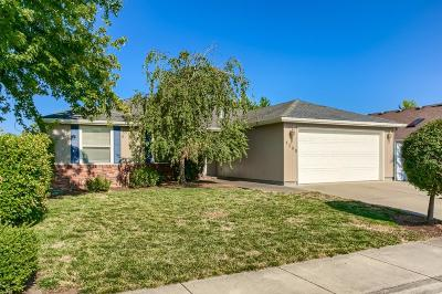 Central Point Single Family Home For Sale: 1238 Looking Glass Way