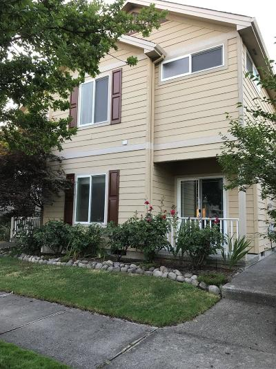 Central Point Single Family Home For Sale: 514 Griffin Oaks