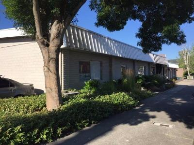 Grants Pass OR Commercial For Sale: $1,025,000