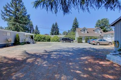 Grants Pass Multi Family Home For Sale: 1878 Rogue River Highway