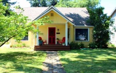 Single Family Home For Sale: 218 Willamette Avenue