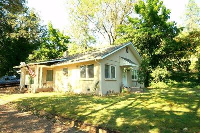 Jackson County, Josephine County Single Family Home For Sale: 13688 Hwy 238