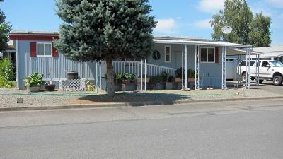 Grants Pass Mobile Home For Sale: 100 Waverly Drive