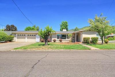 Josephine County Single Family Home Active-72HR Release: 736 NE Riddle Drive