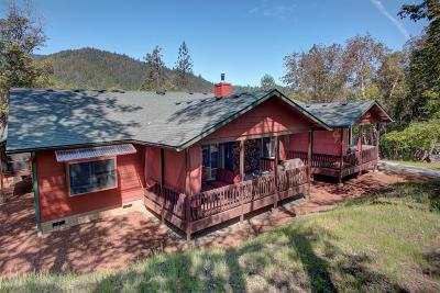 Jackson County, Josephine County Single Family Home For Sale: 801 Savage Creek Road