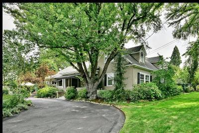 Medford Single Family Home For Sale: 1443 E Main Street