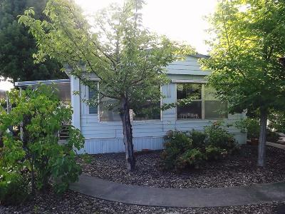 Grants Pass Mobile Home For Sale: 119 Briarwood Way