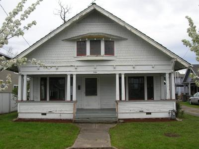 Medford Single Family Home For Sale: 719 W 11th Street