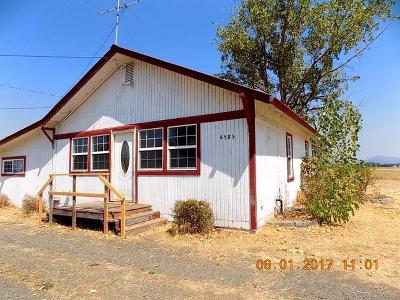 Jackson County, Josephine County Single Family Home For Sale: 4585 Avenue E