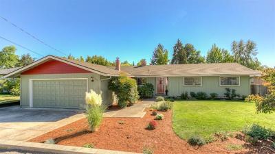 Medford Single Family Home For Sale: 1712 Lenora Drive