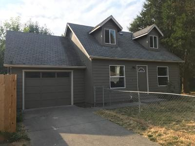 grants pass Single Family Home For Sale: 711 SE 11th Street